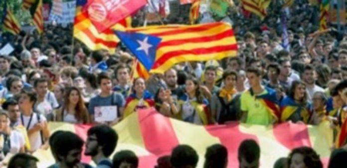 Los estudiantes han sido los últimos protagonistas en manifestarse en las calles de Cataluña. / efe