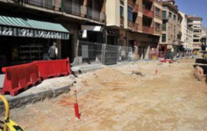 Durante esta semana las obras han avanzado en dirección a la plaza de Santa Eulalia. / Kamarero
