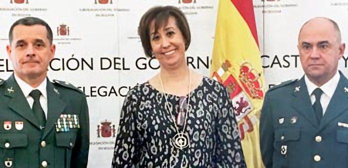 El teniente coronel José Luis Ramírez y la subdelegada del Gobierno