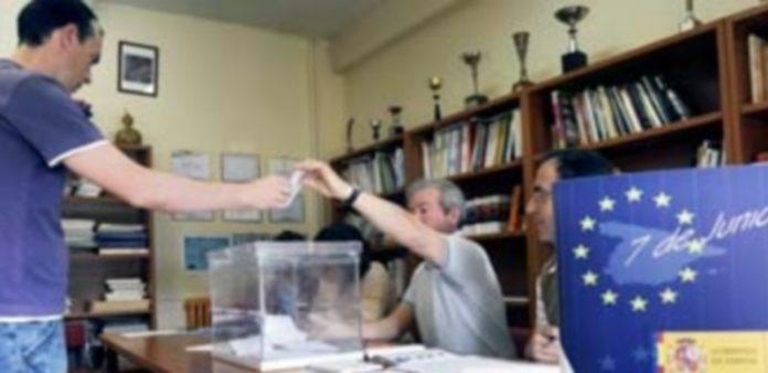 Imagen de la jornada de votación de los anteriores comicios europeos del año 2009. / Juan Martín