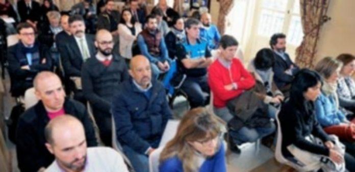 A la presentación del Plan de Marketing 2017-2020 acudieron numerosos representantes del sector patrimonial y turístico de Segovia. / KAMARERO