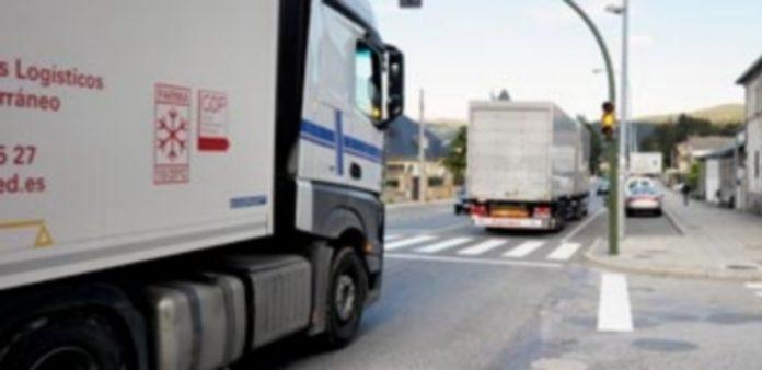 La travesía soporta el tráfico de unos 13.000 vehículos diarios.