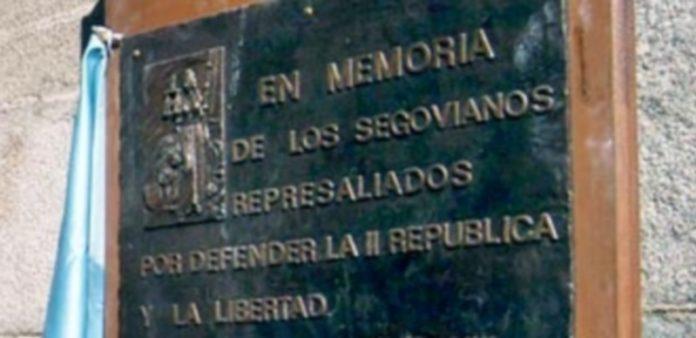 Huertas recordó que ya hay una placa conmemorativa en la puerta. / Kamarero