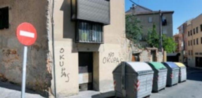 Vivienda 'okupa' de la calle Cantarranas. / Kamarero