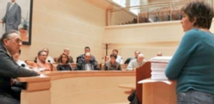 Foro de participación celebrado en el año 2004. Los foros serán sustituidos ahora por consejos sectoriales. / f. Peñalosa