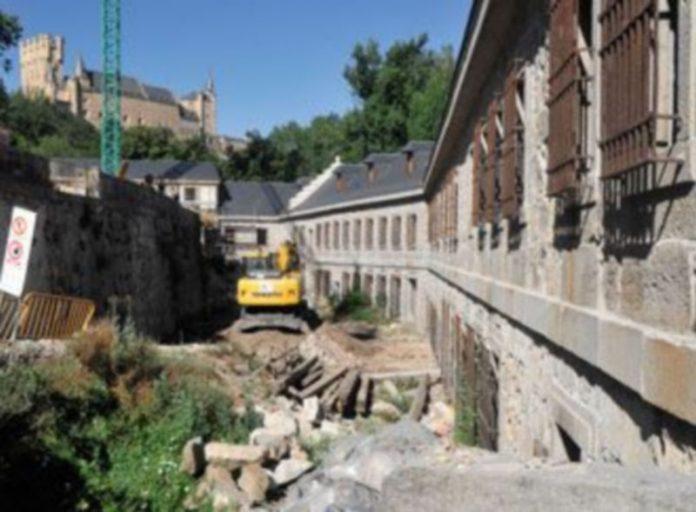 Las obras de rehabilitación de la Casa de la Moneda podrían finalizar a finales del presente año 2009./KAMARERO