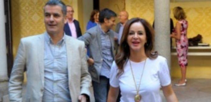 Silvia Clemente y el periodista Giles Tremlett dialogaron sobre parlamentarismo./ KAMARERO