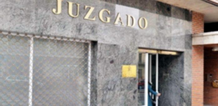 Fachada del Juzgado número 5 en el que se instruye el caso de la hipoteca del Torreón de Lozoya. / Kamarero