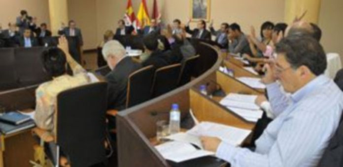 Los diputados aprobaron por mayoría la solicitud de subsede olímpica para Segovia. / Juan Martín.