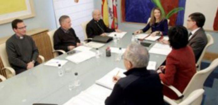Un momento de la reunión de la consejera de Cultura con responsables de Patrimonio de varias provincias. / Ical