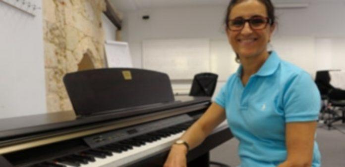 Marisa Martín dirige el curso y participa como miembro del coro piloto Ágora. / K.