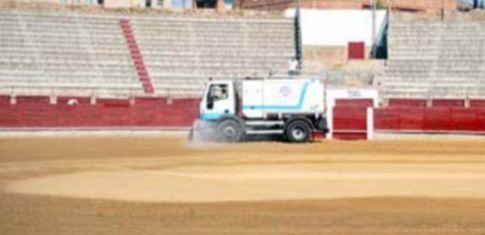 Un camión de los servicios municipales de limpieza