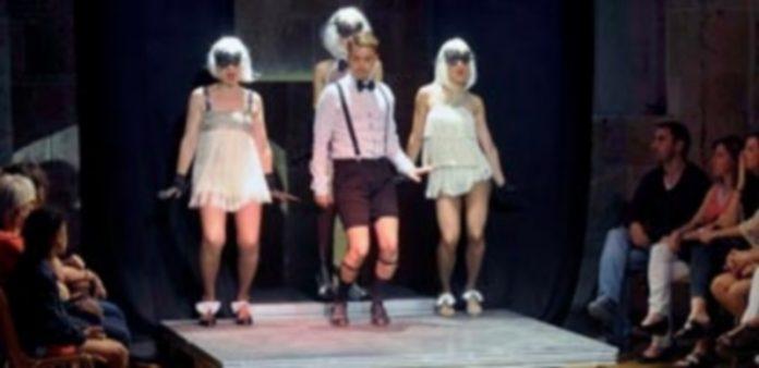 Imagen de archivo de una de las obras representadas por los alumnos del taller municipal de teatro. / Kamarero
