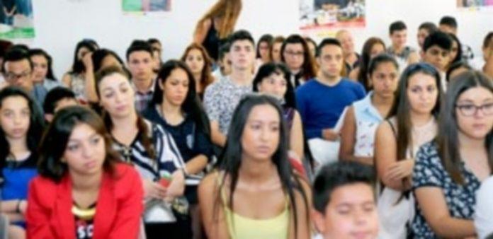Jóvenes de siete provincias de la región participaron al XII Encuentro de familias y estudiantes gitanos de Castilla y León
