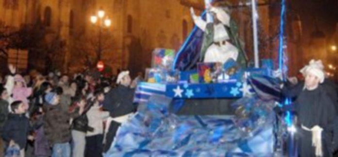El Ayuntamiento calcula que entre 15.000 y 20.000 personas seguirán el recorrido del Cortejo Real. /KAMARERO