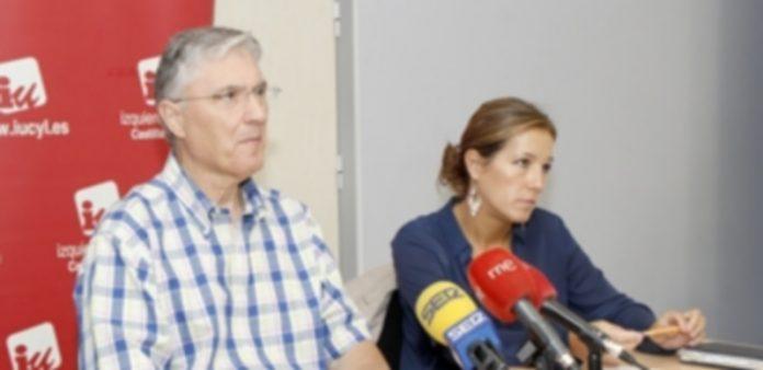 José Luis Ordóñez y Ana Peñalosa durante la rueda de prensa. / NEREA LLORENTE