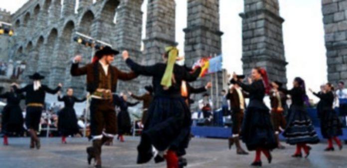 Gala de apertura del Festival que durante tres días llena de danzas exóticas