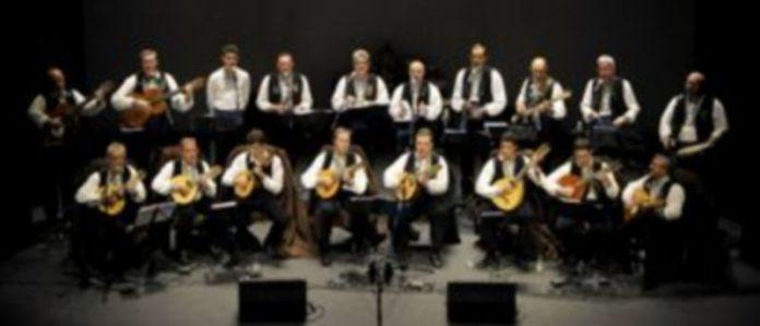 Un momento del concierto que ofreció la Ronda Segoviana para celebrar sus 35 años en la música. / Alberto Benavente