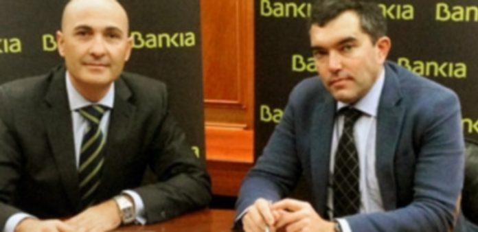 Jaime Campos (Bankia) y Gerardo Salgado (Asetra) firmaron el acuerdo. / E. A.