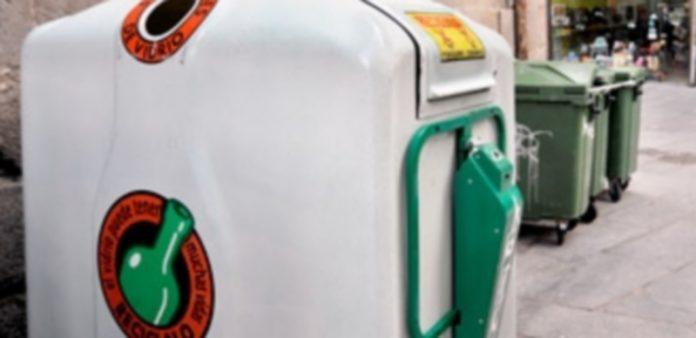 Los segovianos cuentan con numerosos contenedores de reciclaje de vidrio en la ciudad y la provincia. / Kamarero