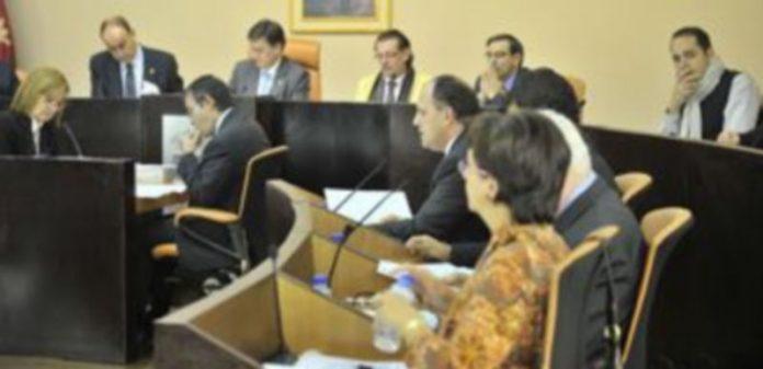 Un momento del último pleno celebrado en la Diputación Provincial. / Kamarero.