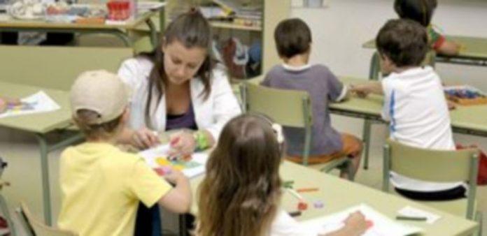 El programa está dirigido a conciliar la vida familiar y laboral de padres de alumnos de Infantil y Primaria. / A. Benavente
