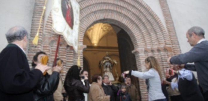 Entrada  de la procesión a la iglesia de San Esteban