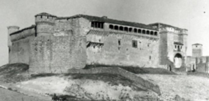 Una de las fotografías del Castillo que forma parte del archivo fotográfico del Ayuntamiento. / Ayuntamiento de Cuéllar
