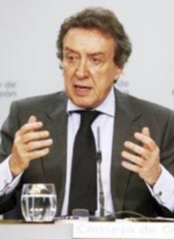 José Antonio de Santiago-Juárez explica los acuerdos adoptados por el Consejo de Gobierno. / Ical