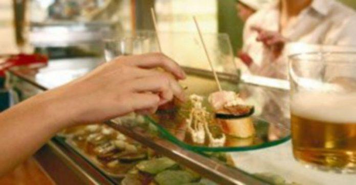 La hostelería es uno de los sectores afectados por la futura Ley de Salud Pública y Seguridad Alimentaria. /ICAL