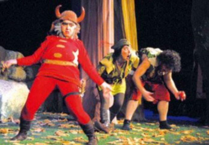 Un momento de la representación de la obra Robin Hood. /EL ADELANTADO