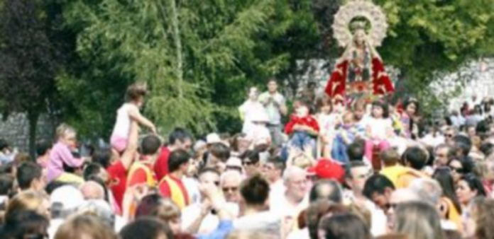 La procesión discurrirá en torno a la pradera una vez concluida la misa de campaña. / Gabriel Gómez