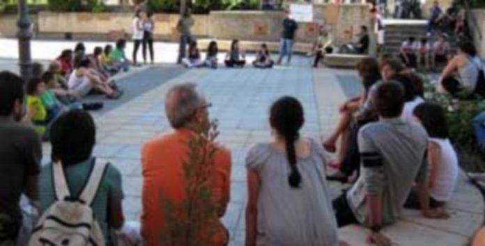 Un momento de la concentración celebrada en la villa. / Nuria Pascual