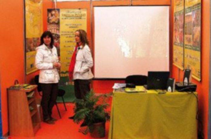 Honorse ha participado en la Feria de Cuéllar informando sobre el nuevo programa Leadercal./G.G.