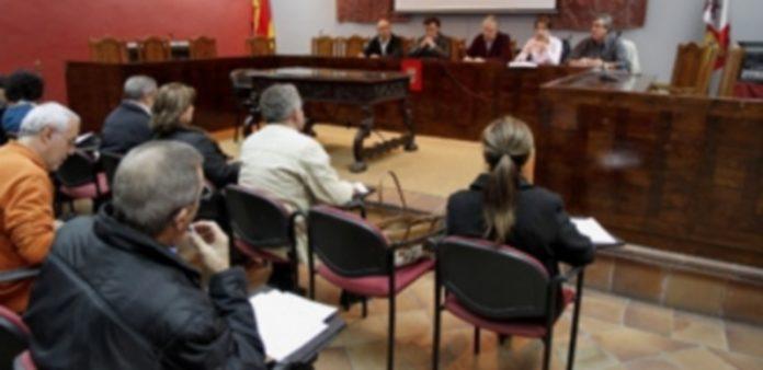 Miembros de la Comunidad durante el desarrollo de una junta directiva. / Gabriel Gómez