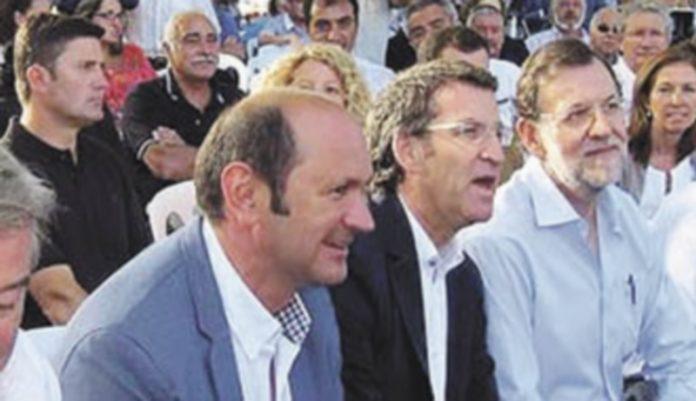 José Manuel Barreiro y Mariano Rajoy durante un mitin el pasado verano.  / E.p.