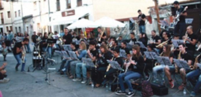 'The Big Band Theory' en su concierto enmarcado en las fiestas de 'El Henarillo' de este 2015. / Chantal Núñez