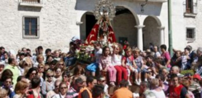 La imagen de la virgen de El Henar será de nuevo venerada durante la procesión y en su camarín./ Gabriel Gómez.