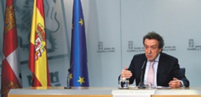 José Antonio de Santiago-Juárez explica en rueda de prensa los cometidos de la recién creada Comisión. / JCyL
