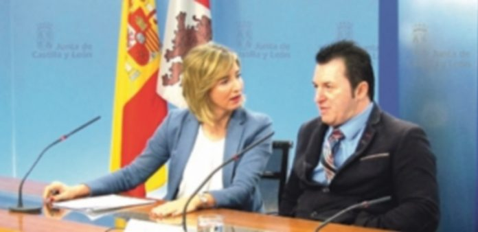 Alicia García junto al presidente de Cermi en la Comunidad