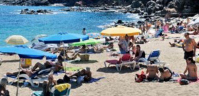 Las zonas de playa son algunos de los destinos preferidos por los usuarios del Club de los 60. / El Adelantado