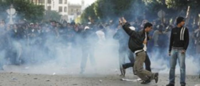 Los disturbios han provocado la muerte de más de medio centenar de personas