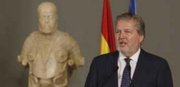 Íñigo Méndez de Vigo defiende que Mariano Rajoy es la persona que mejor puede conducir el Gobierno de España. / Efe