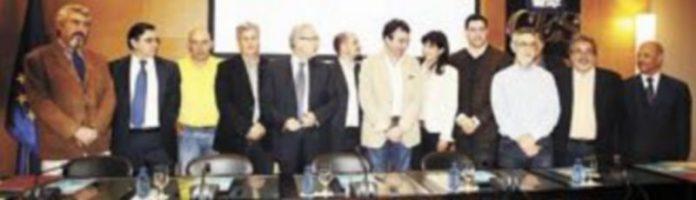La sede del CES sirvió de punto de encuentro para alcanzar un acuerdo entre los once colectivos. / Ical