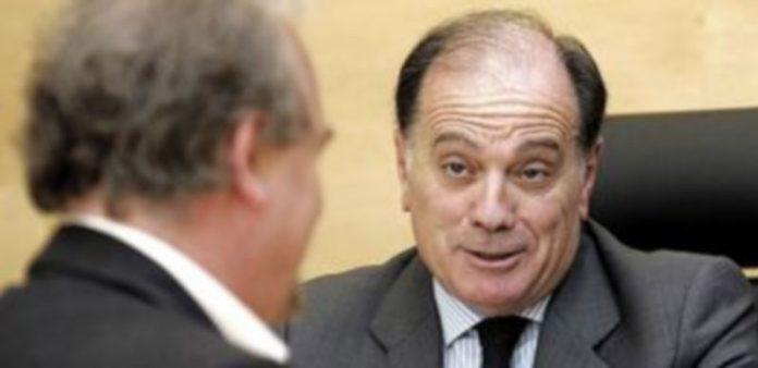 El consejero de Economía comparece ante la Comisión de Hacienda de las Cortes para informar sobre los Presupuestos. / Ical