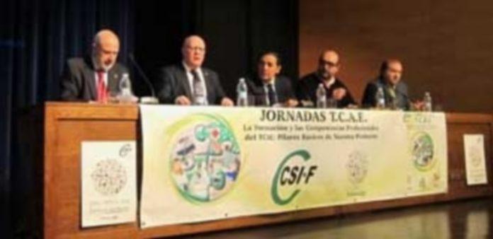 Sáez Aguado (c) junto al presidente regional de CSI-F