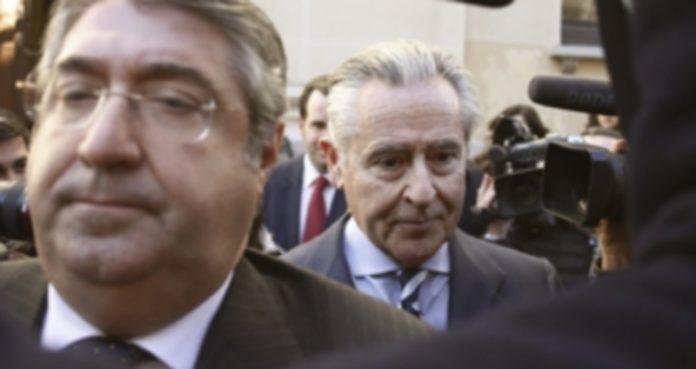El expresidente de Caja Madrid Miguel Blesa (d)