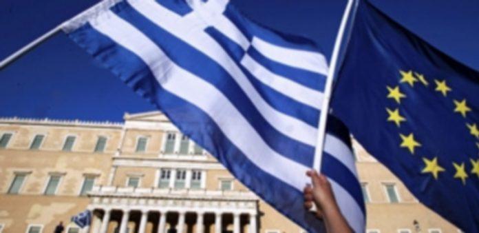 La sociedad griega ha incrementado las protestas en estos días tras la amenaza de ser expulsados de la moneda única. / Efe
