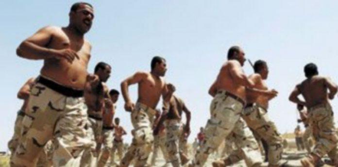 El Ejército iraquí ha acelerado las tareas de formación de cientos de reclutas con la finalidad de estar preparado para hacerse con las riendas del país. / Reuters