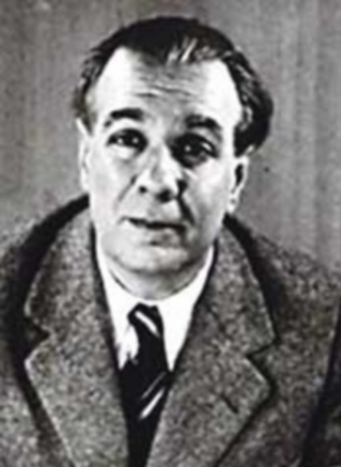 El editor Francisco Porrúa encargó a Borges que escribiera el prólogo a la versión española de 'Crónicas Marcianas'. / E. P.